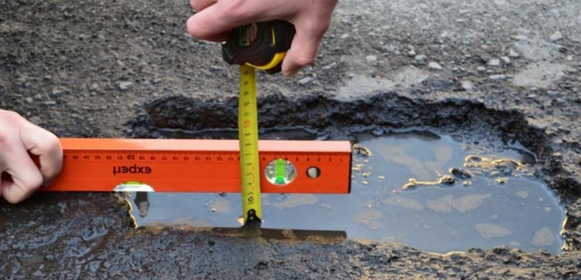 На Херсонщині активно взялися за ремонт доріг після зими